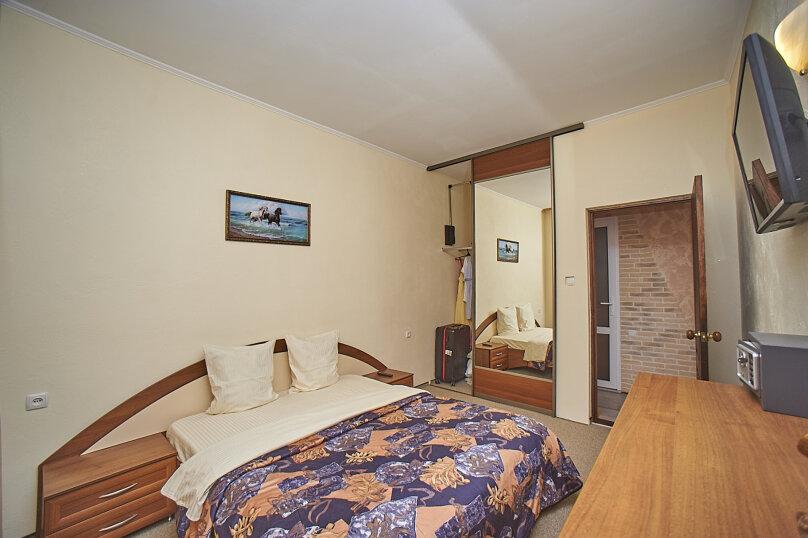 1-й этаж 1-й номер люкс 2-х комнатный, Глазкрицкого, 8 Б, Алушта - Фотография 2