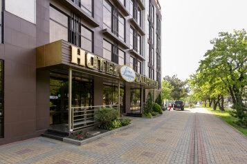 """Отель """"Калифорния"""", улица Луначарского, 133А на 46 номеров - Фотография 1"""