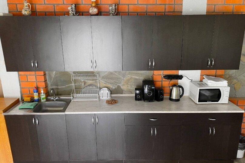 Гостевой дом «ДимИль», Каштановая улица, 24 на 7 комнат - Фотография 13