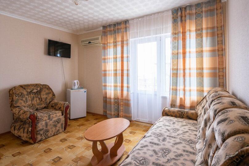 2х-комнатный со смежными комнатами, улица Гора Фирейная, 18, район горы Фирейная , Судак - Фотография 1