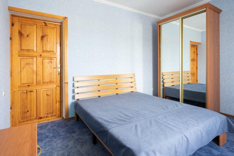 2х-комнатный с раздельными комнатами и кухней, улица Гора Фирейная, 18, район горы Фирейная , Судак - Фотография 1