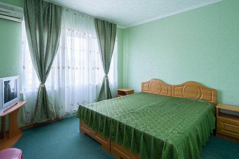 2х-комнатный с раздельными комнатами, улица Гора Фирейная, 18, район горы Фирейная , Судак - Фотография 1