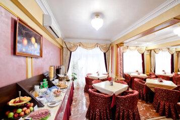 """Отель """"Радуга-Престиж"""", улица Пирогова, 2/3 на 34 номера - Фотография 1"""