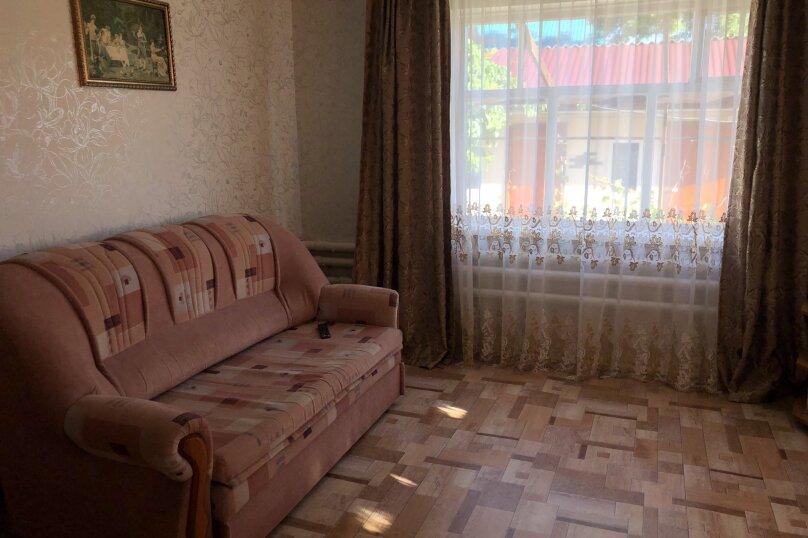 """Мини-гостиница """"У Кристины"""", Просвещенская улица, 40 на 8 комнат - Фотография 24"""