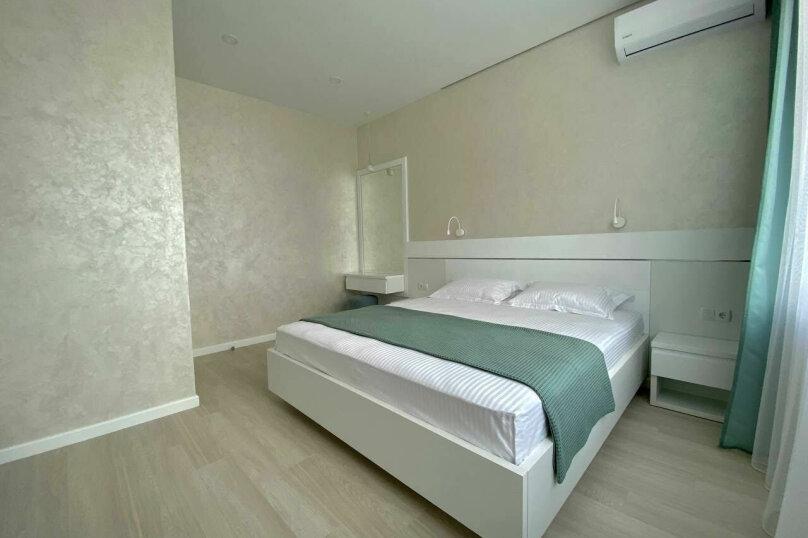 """Мини-отель """"Crown Villa"""", Лазурная улица, 19Б на 5 комнат - Фотография 19"""