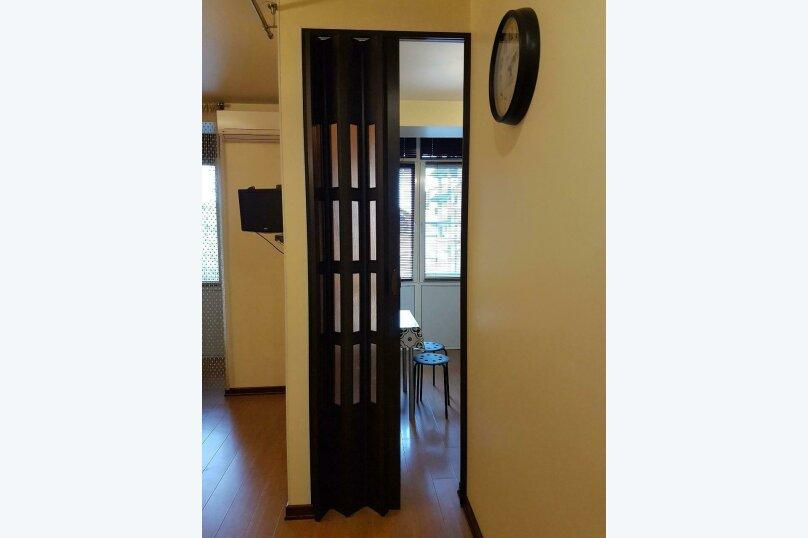 1-комн. квартира, 40 кв.м. на 4 человека, улица Академика Сахарова, 25, Сухум - Фотография 3