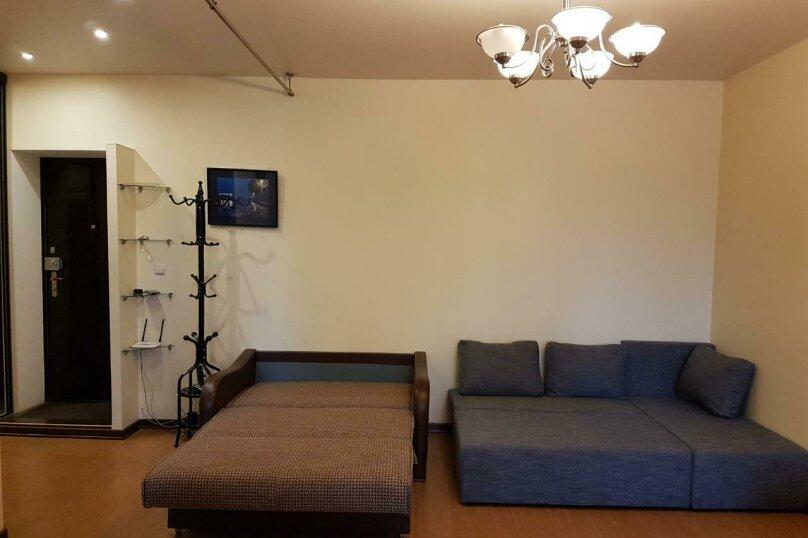 1-комн. квартира, 40 кв.м. на 4 человека, улица Академика Сахарова, 25, Сухум - Фотография 11