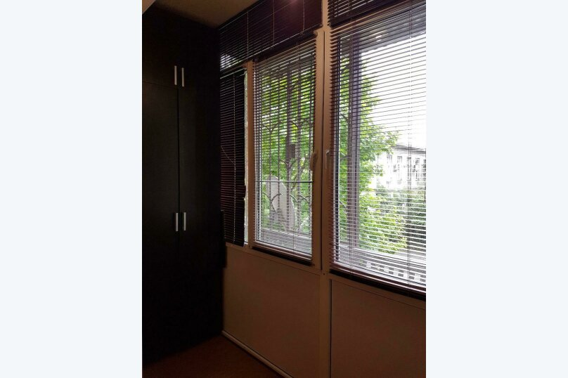 1-комн. квартира, 40 кв.м. на 4 человека, улица Академика Сахарова, 25, Сухум - Фотография 12