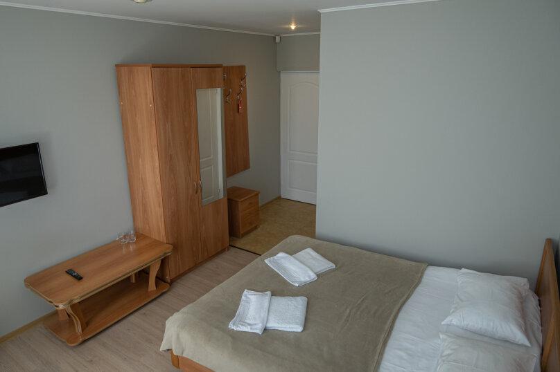 """Вилла """"Уютная"""", Ачишховский переулок, 9 на 22 комнаты - Фотография 61"""