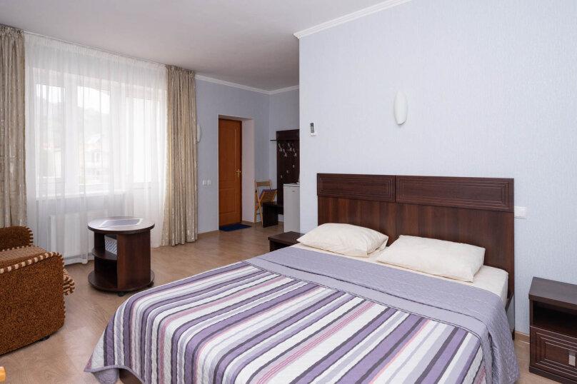 Комната с балконом для размещения 3-х человек , Калинина, 14а, Коктебель - Фотография 1