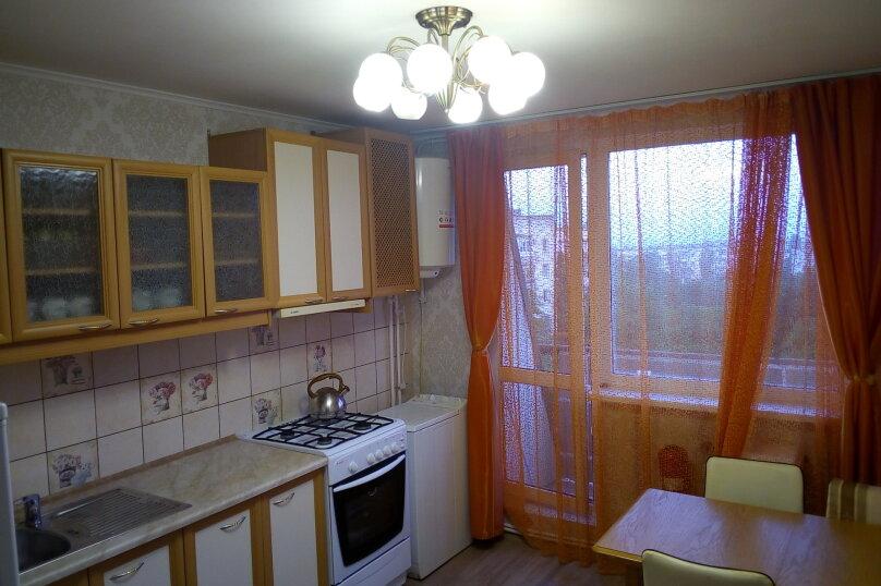 2-комн. квартира, 66 кв.м. на 5 человек, улица Гагарина, 25, поселок Приморский, Феодосия - Фотография 1