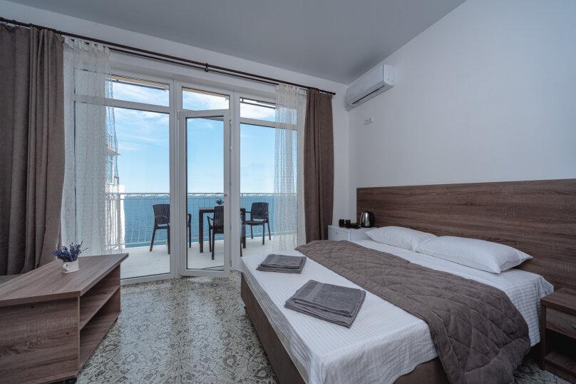 Апартамент (вид на море), Княгини Гагариной, 25/353, Утес - Фотография 1