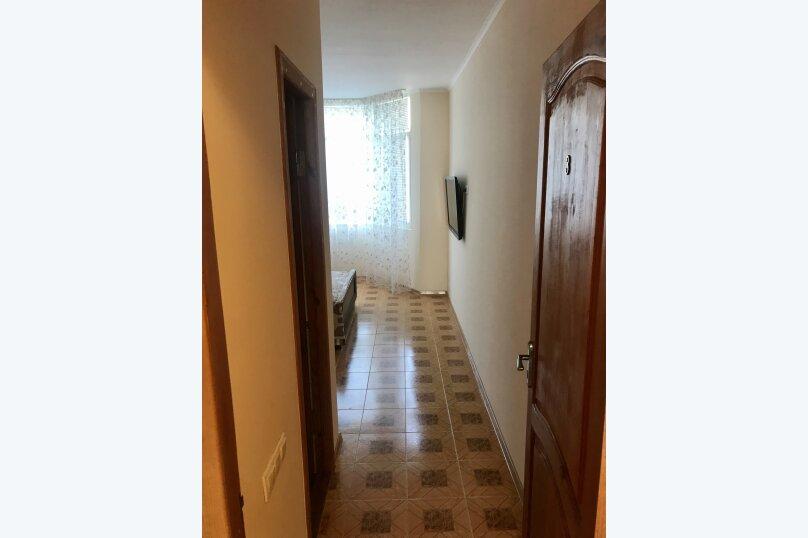 4-й этаж: 2-х местный номер с 1 кроватью и видом на горы., Гагариной, 25/243, Утес - Фотография 4
