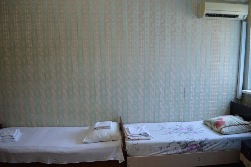 Классический четырехместный номер с балконом, улица Просвещения, 169Г, Адлер - Фотография 2