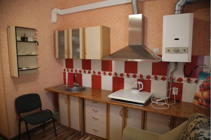 Тюльпановая комната (с варочной плитой), улица 8 Марта, 22, Феодосия - Фотография 5