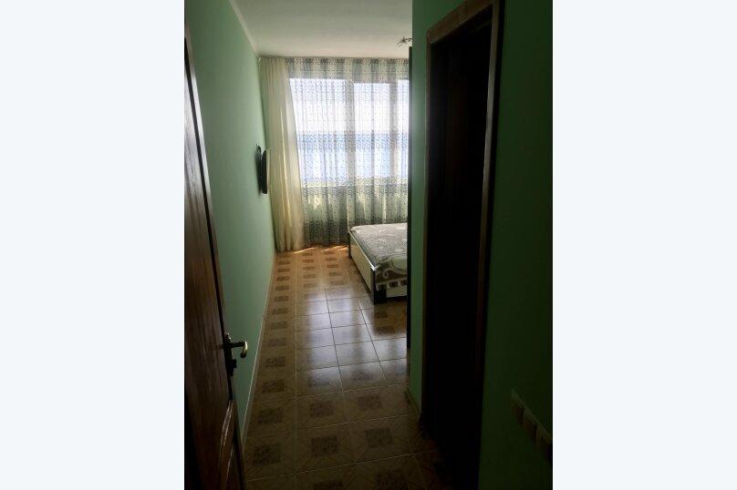4-й этаж: 2-х местный номер с 1 кроватью и видом на море., Гагариной, 25/243, Утес - Фотография 2