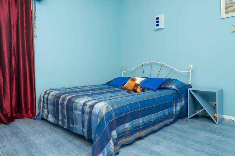 """4-х местная семейная комната-люкс """"Блу"""", Школьный переулок, 30А, Коктебель - Фотография 1"""