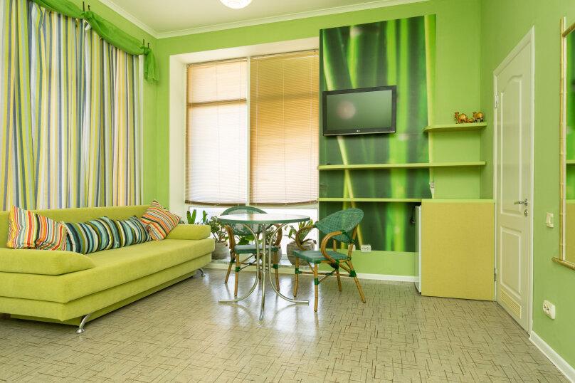 """4-х местная семейная комната-люкс """"Бамбук"""", Школьный переулок, 30А, Коктебель - Фотография 1"""