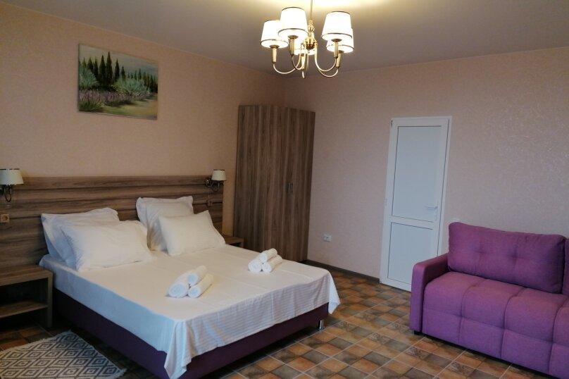 Стандарт (двуспальная кровать и двуспальный диван) вид на дворик, Набережная улица, 16, Алушта - Фотография 6