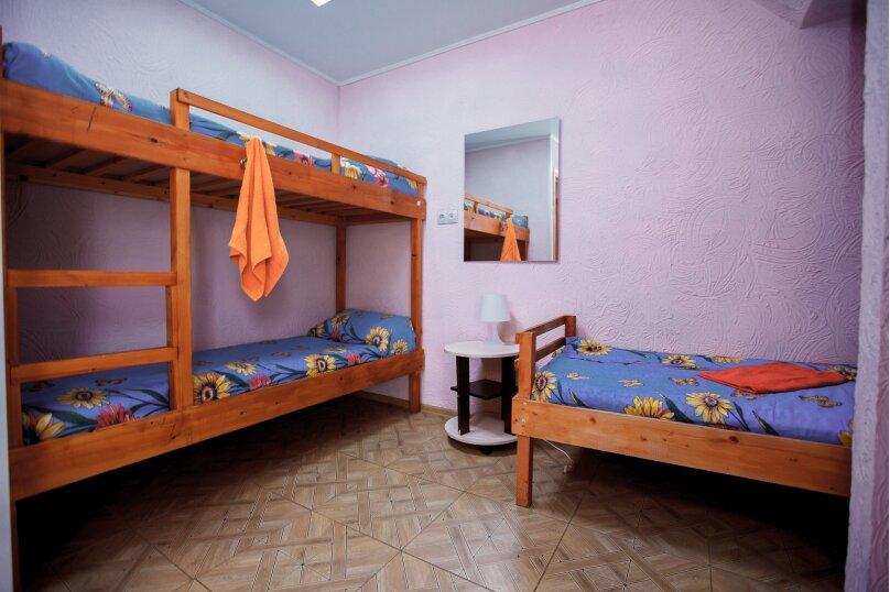 33 5-ти местный, улица Звездова, 117, Омск - Фотография 1