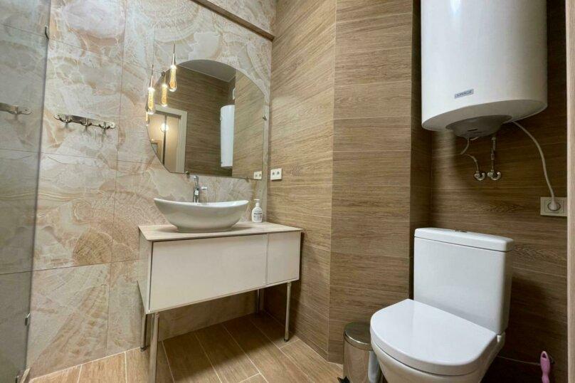 Апартаменты-студио в «ЖК Алмаз», улица Блюхера, 19 на 10 номеров - Фотография 33