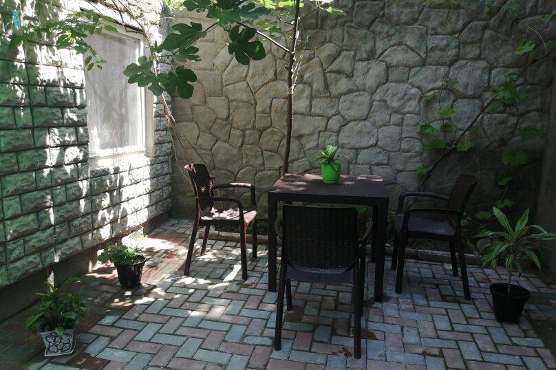 Уютный домик с двориком на 4 человека, 2 спальни, Нагорная улица, 27, Феодосия - Фотография 6