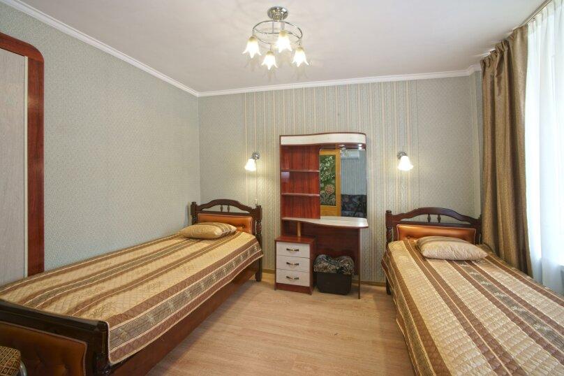 2-местный 2-комнатный номер I, II корпус, Комсомольская улица, 20, Алушта - Фотография 1