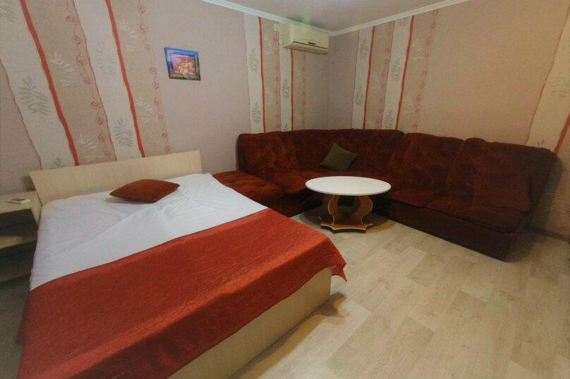 Отдельная комната, Поворотная улица, 44А, Евпатория - Фотография 1