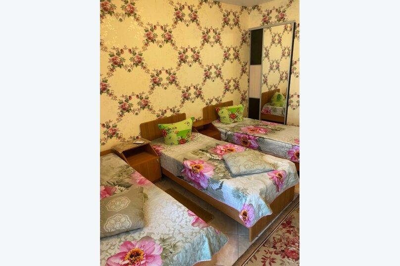 Трехместный номер с ванной комнатой (4) первый этаж, Курская улица, 25-А, Береговое, Феодосия - Фотография 1