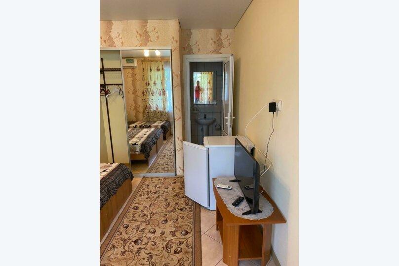 Трехместный номер с ванной комнатой (4) первый этаж, Курская улица, 25-А, Береговое, Феодосия - Фотография 2