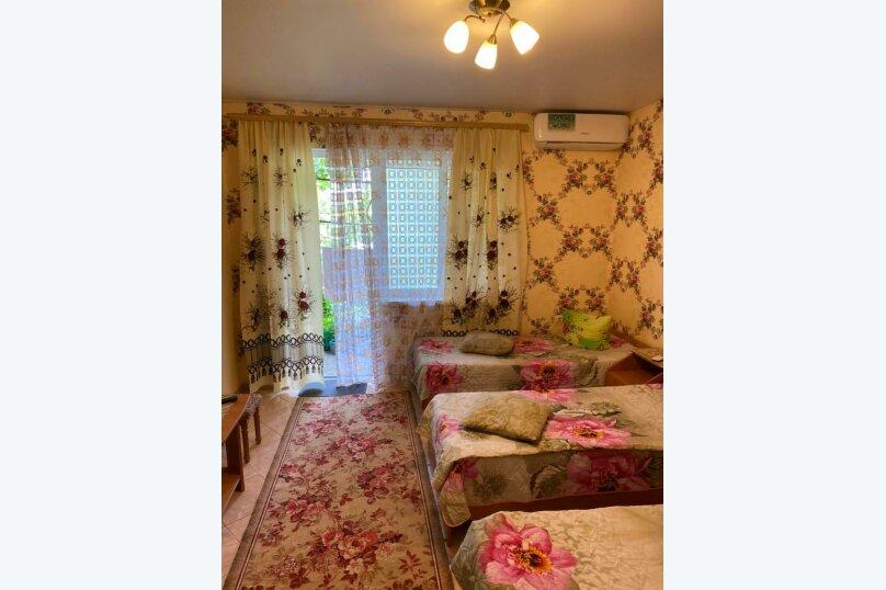 Трехместный номер с ванной комнатой (4) первый этаж, Курская улица, 25-А, Береговое, Феодосия - Фотография 3