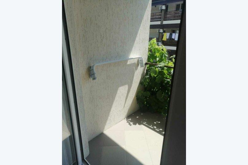 Четырехместный номер с балконом (8) второй этаж, Курская улица, 25-А, Береговое, Феодосия - Фотография 3