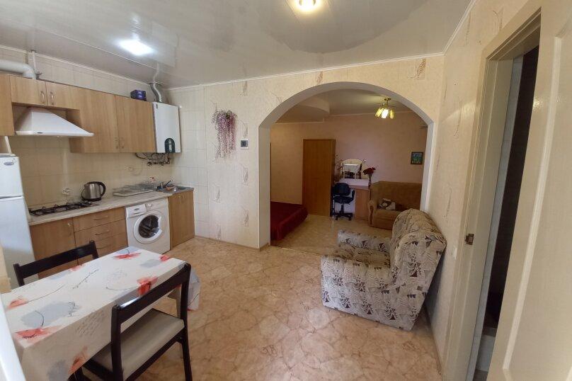 Частное домовладение на 8 человек, Октябрьская улица, 21, Алушта - Фотография 23