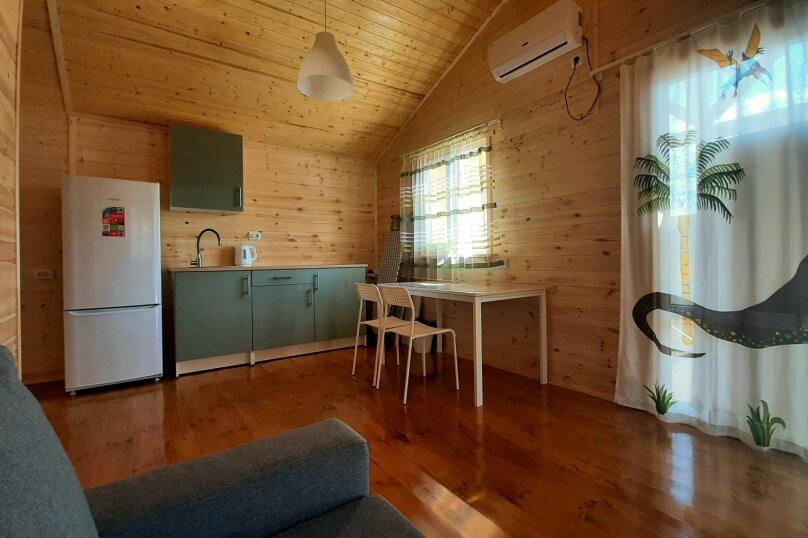 Деревянный дом с террасой, СНТ Приморье, Цветочная на 1 номер - Фотография 5