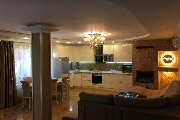 Вилла Сосновый Рай, 273 кв.м. на 6 человек, 4 спальни, улица Сосновый Бор, 8, Судак - Фотография 1
