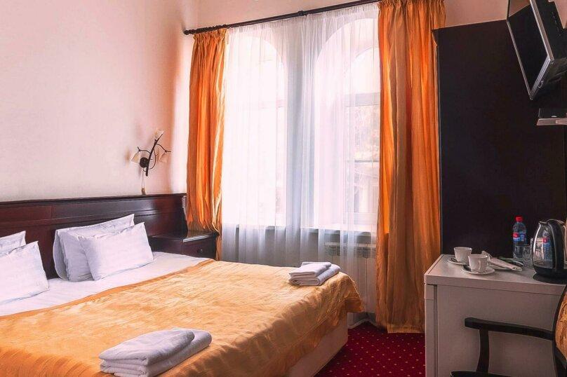 Люкс двухкомнатный 4-х местный., Крымская улица, 18, Голубицкая - Фотография 1