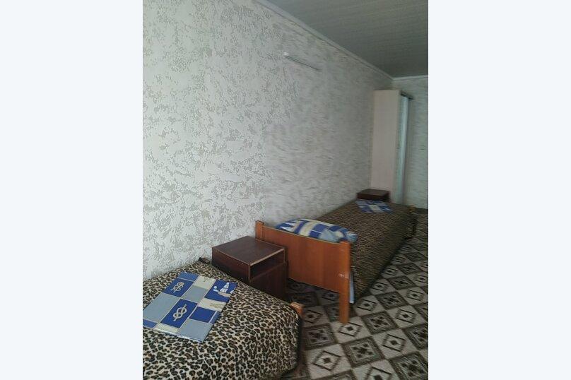 4-х местный удобства на этаже, Центральная улица, 1, Николаевка, Крым - Фотография 1
