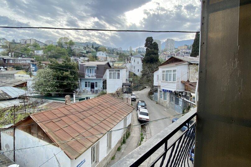Четырёхместный Люкс с балконом , улица Куйбышева, 10, Ялта - Фотография 4