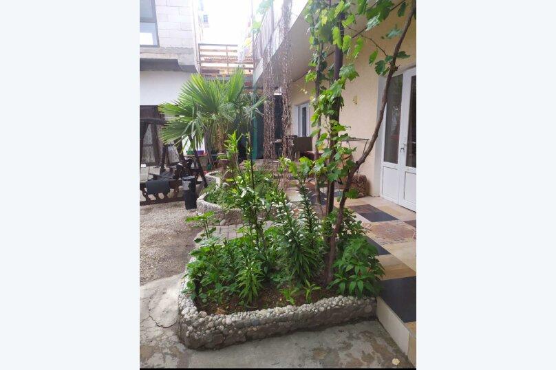 Гостевой дом  У Тимура , улица Мусы Мамута, 15 на 13 комнат - Фотография 22