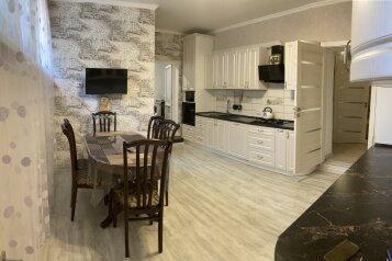 Часть дома, 110 кв.м. на 6 человек, 2 спальни, улица Пищевиков, 7, Судак - Фотография 1