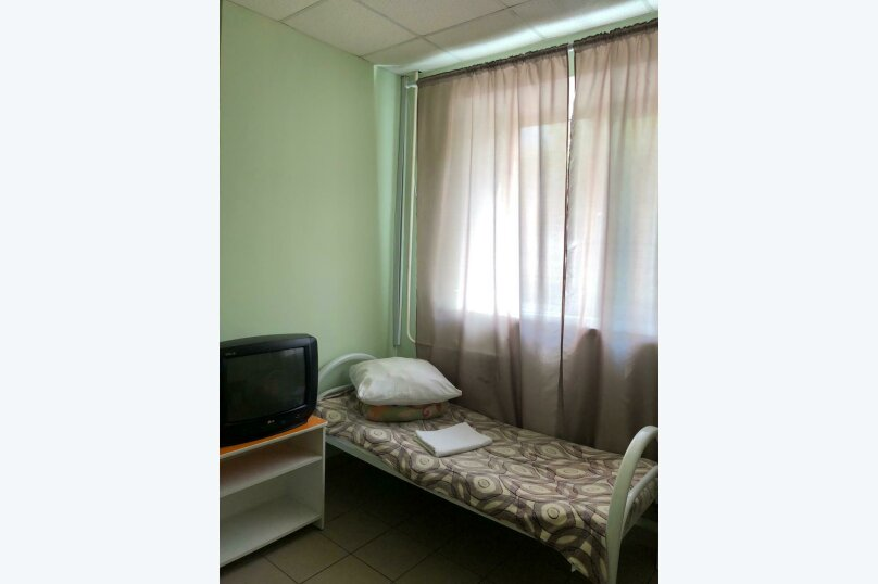 Койко-место в двухместном номере, Рейдовая улица, 68Дс1, Красноярск - Фотография 1