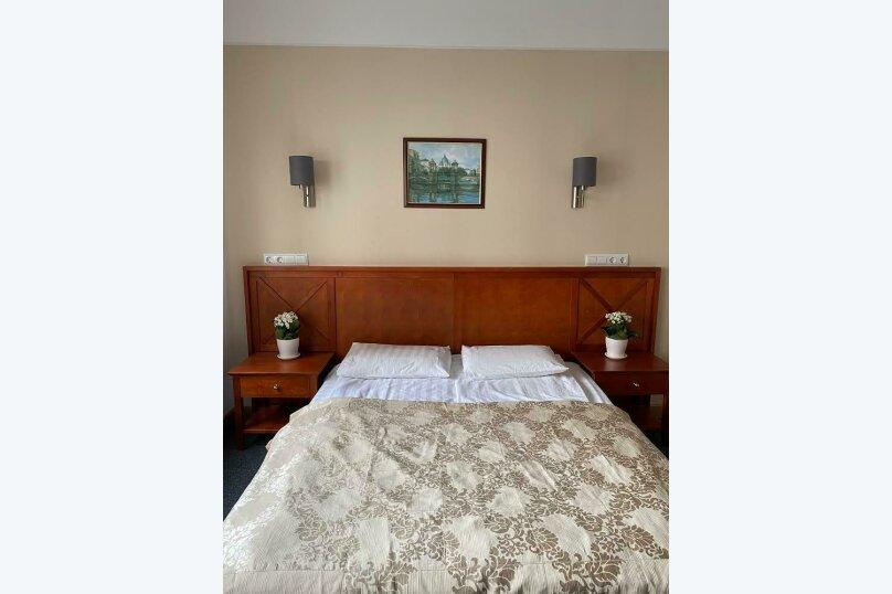 Улучшенный двухместный номер Делюкс с 1 кроватью или 2 отдельными кроватями (c сауной), Альпийский переулок, 30к3, Санкт-Петербург - Фотография 1