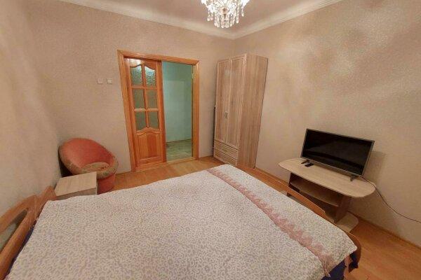 2-комн. квартира, 50 кв.м. на 6 человек, улица Руданского, 18, Ялта - Фотография 1
