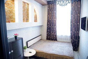 3-комн. квартира, 70 кв.м. на 10 человек, Омская улица, 89, Новосибирск - Фотография 1