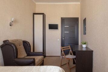 Комнаты в найм у Троицкого, 4-я Красноармейская улица, 14 на 20 номеров - Фотография 1