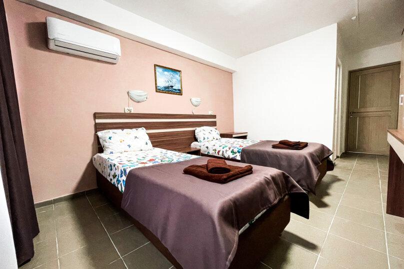 Двухместный номер с 2 отдельными кроватями, Южногородская улица, 19, посёлок Любимовка, Севастополь - Фотография 1