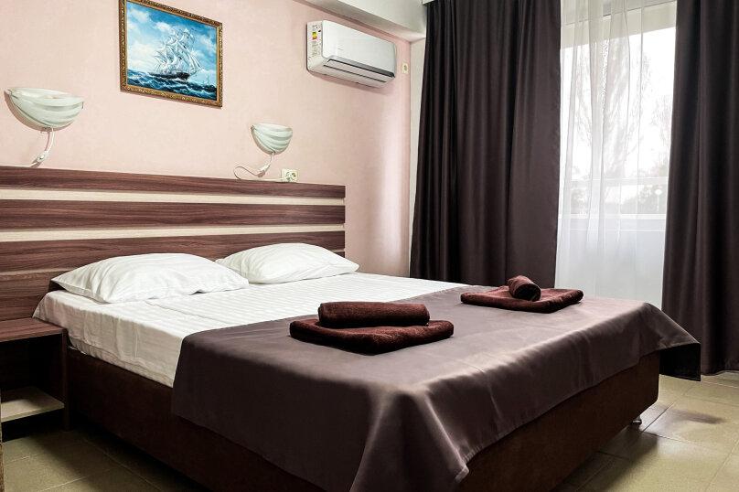 Двухместный номер с 1 кроватью и балконом , Южногородская улица, 19, посёлок Любимовка, Севастополь - Фотография 1