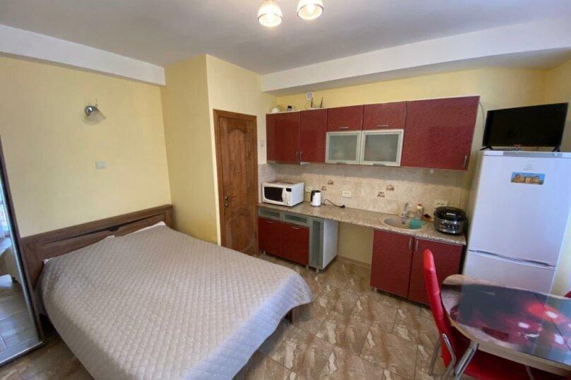 1 комнатный 1 этаж с двориком, Маратовская , 19-а, Мисхор - Фотография 1