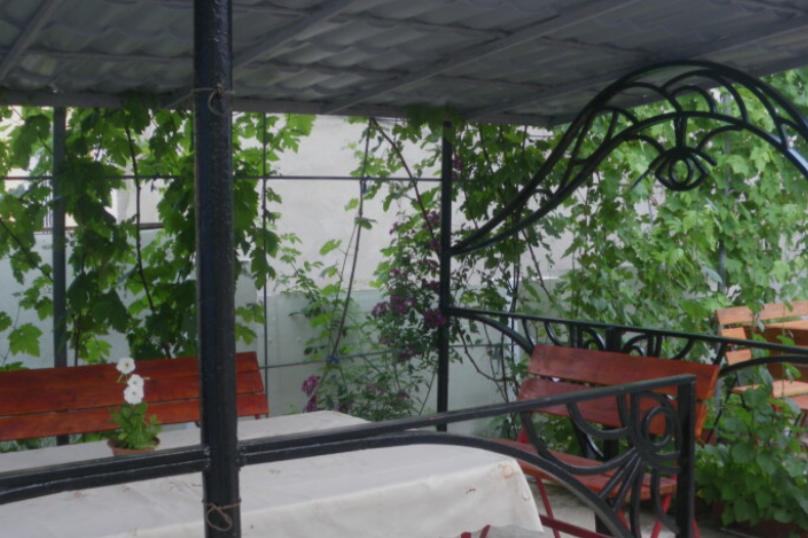 """Гостевой дом  """"Эвелина"""", улица Чайковского, 13 на 7 комнат - Фотография 2"""