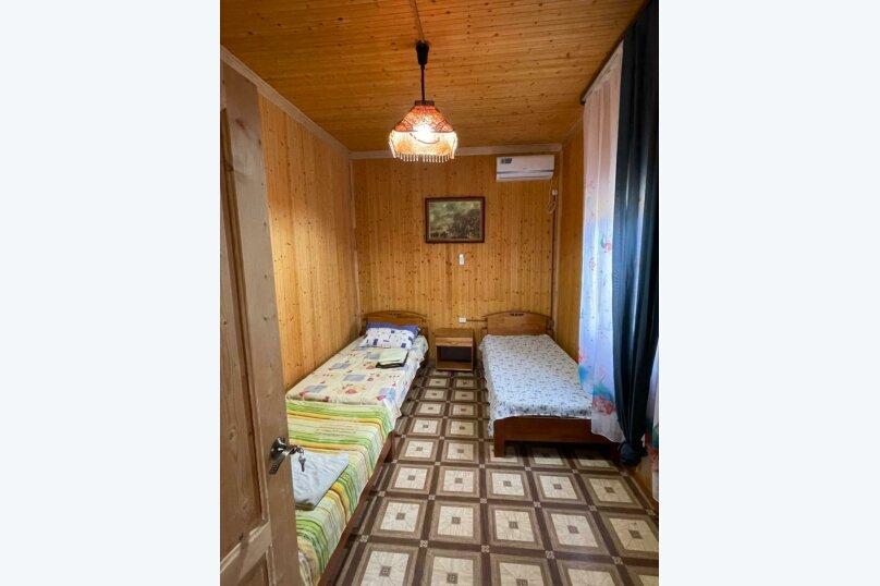 """Гостевой дом """"На 1 переулке Апсны 3"""", 1 переулок Апсны, 3 на 8 комнат - Фотография 80"""